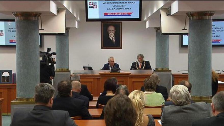 Video Zeman zahájil návštěvu Středočeského kraje