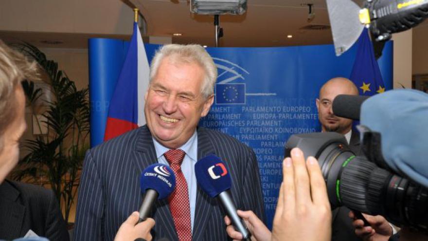 Video Události: Miloš Zeman je v Bruselu poprvé jako prezident
