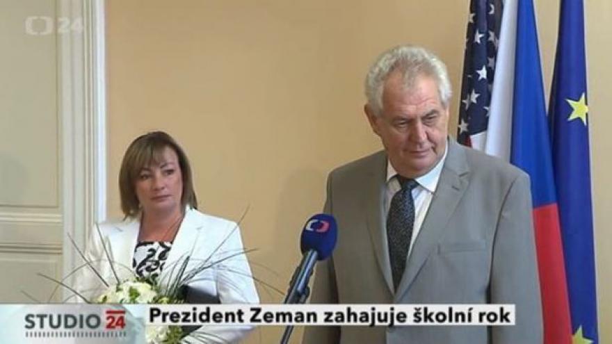 Video Prezident Zeman zahajuje školní rok