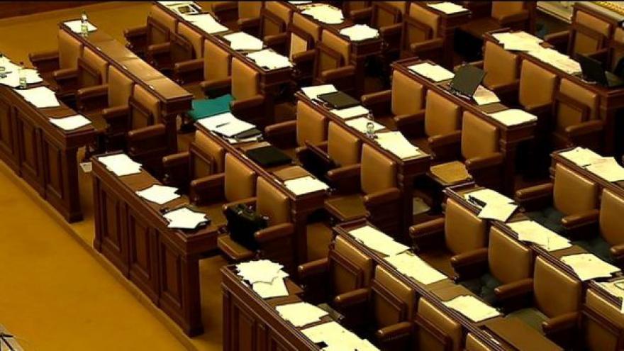Video Události ČT24 o rozpuštění sněmovny
