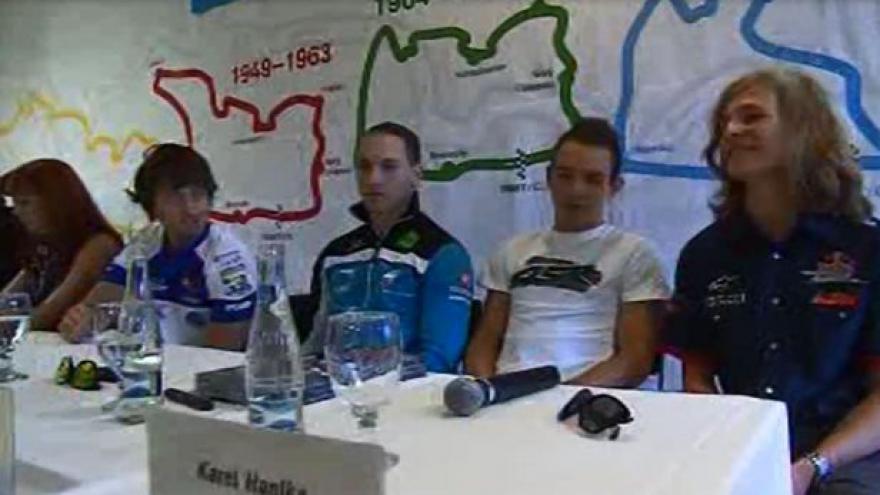 Video Jezdci se na Masarykově okruhu připravují na GP