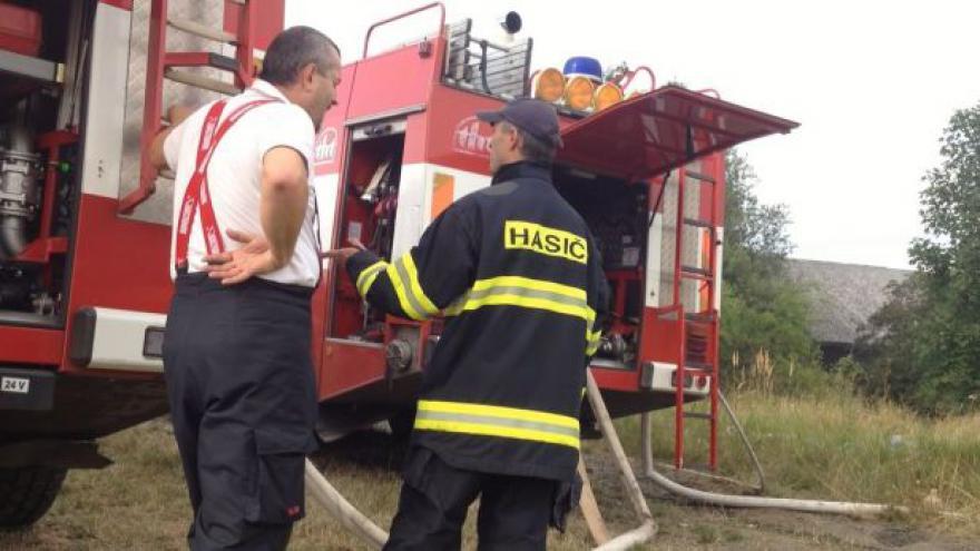 Video NO COMMENT: První záběry z místa požáru