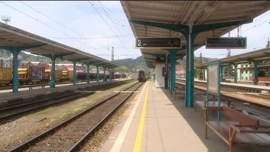 Video Jedna jízdenka na železnici?