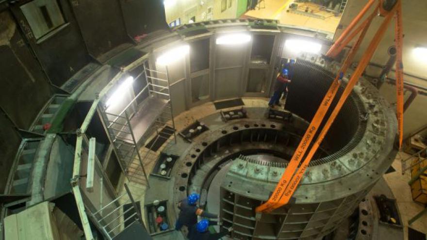 Video Nová turbína elektrárny Lipno