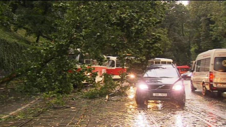 Video Do Česka míří další bouřky