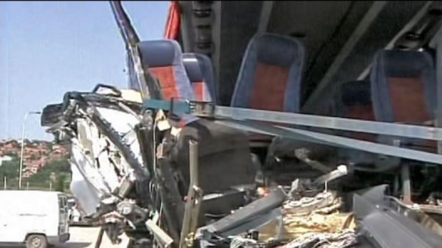 Video V Srbsku havaroval autobus s českými turisty