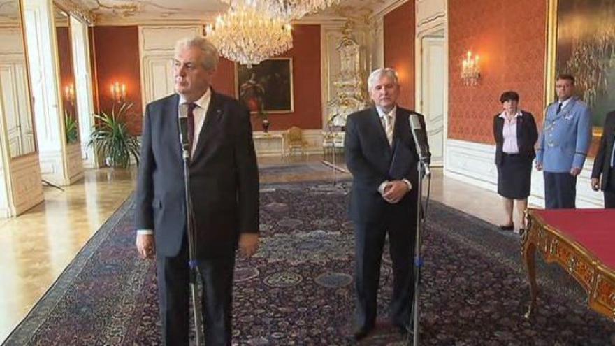 Video TK Miloše Zemana a Jiřího Rusnoka
