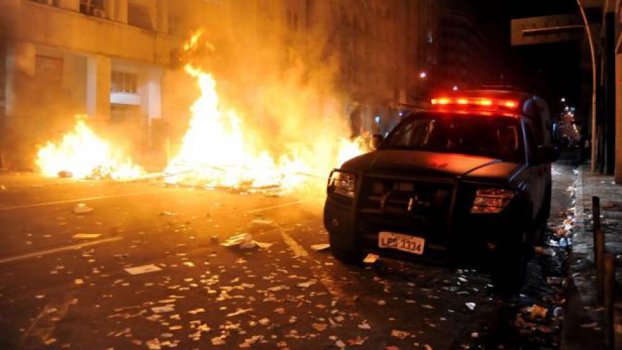 Video Protesty v Brazílii pokračují