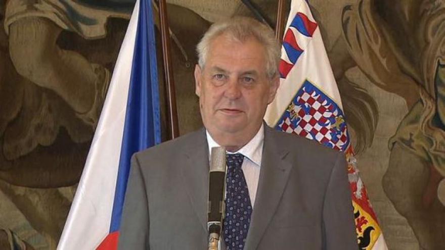 Video Brífink prezidenta Miloše Zemana k představení Nadačního fondu na splácení státního dluhu