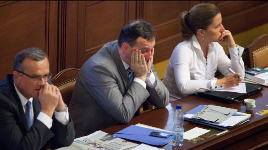 Video Reakce politiků na vazbu Nagyové