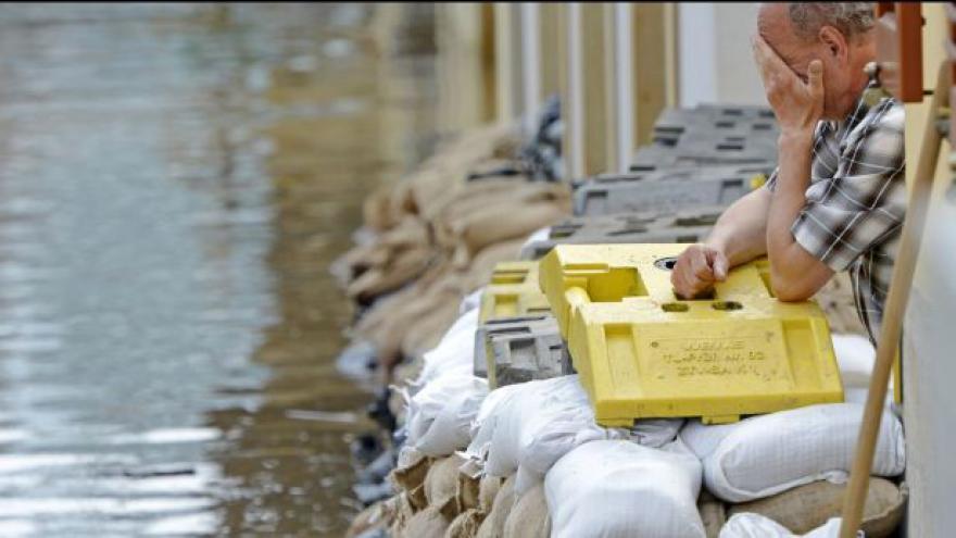 Video Budapešť čeká na záplavovou vlnu
