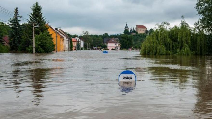 Video Třetí den povodní v Křešicích, Zálezlicích a dalších obcích