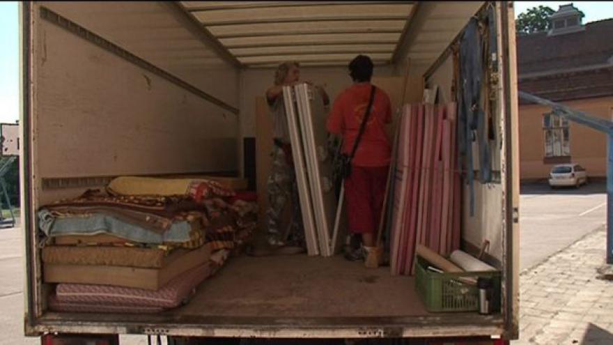 Video NO COMMENT: Začalo stěhování sloučených škol