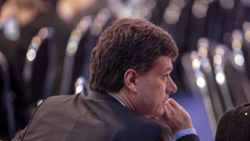 Video Ministr si na poledne zve Hasenkopfa i Koudelku