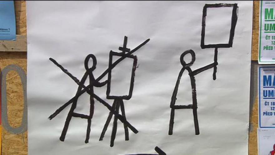 Video Vstup Terezy Radvákové z protestu před Mánesem