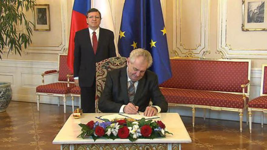 Video Podpis dodatku Lisabonské smlouvy