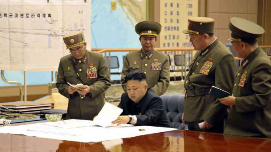Video Severokorejští vojáci dostali zelenou k jadernému úderu proti USA