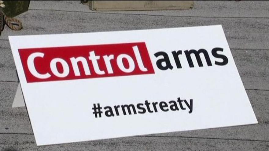 Video Dohoda na regulaci zbraní padla