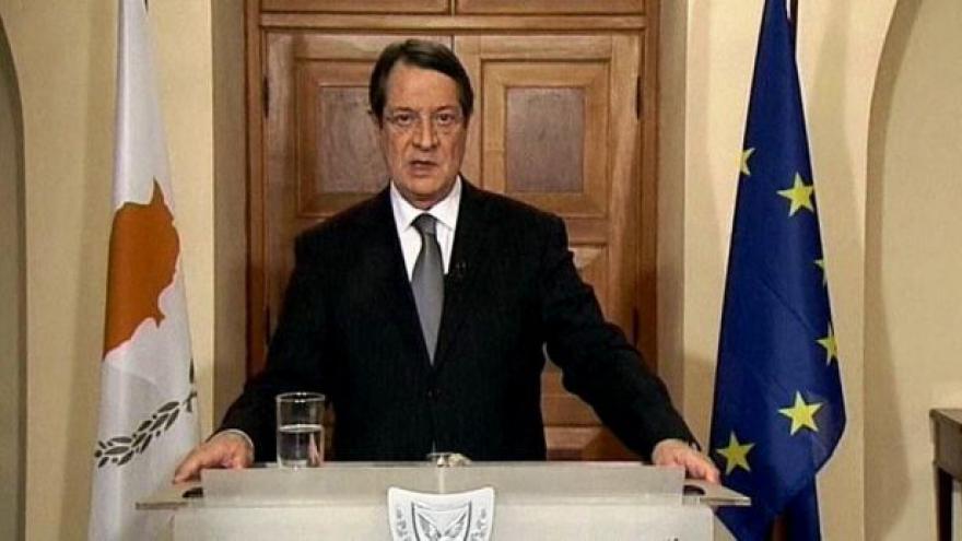 Video Kyperské banky budou do čtvrtka zavřené