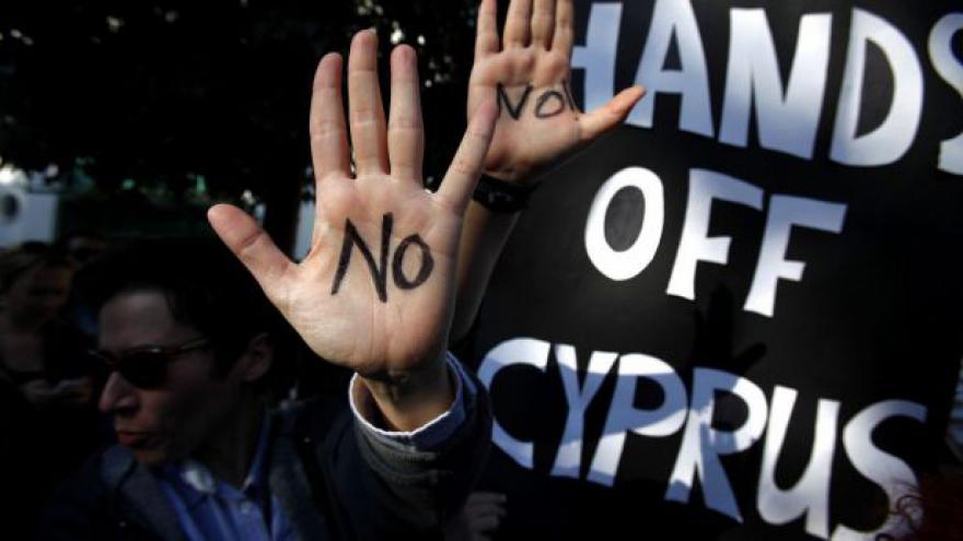 Video Pomoc Kypru tématem Událostí, komentářů