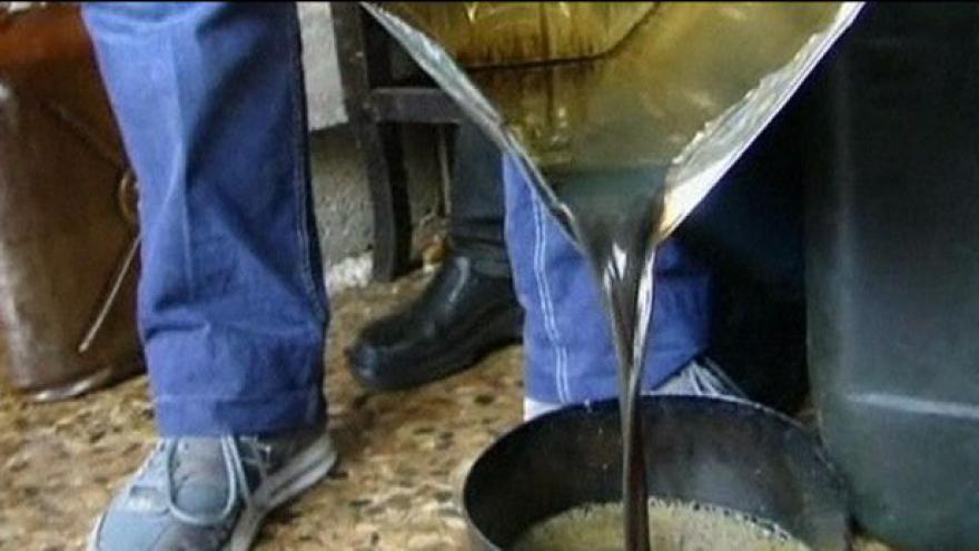 Video Syrská vláda odřízla povstalce od dodávek ropy