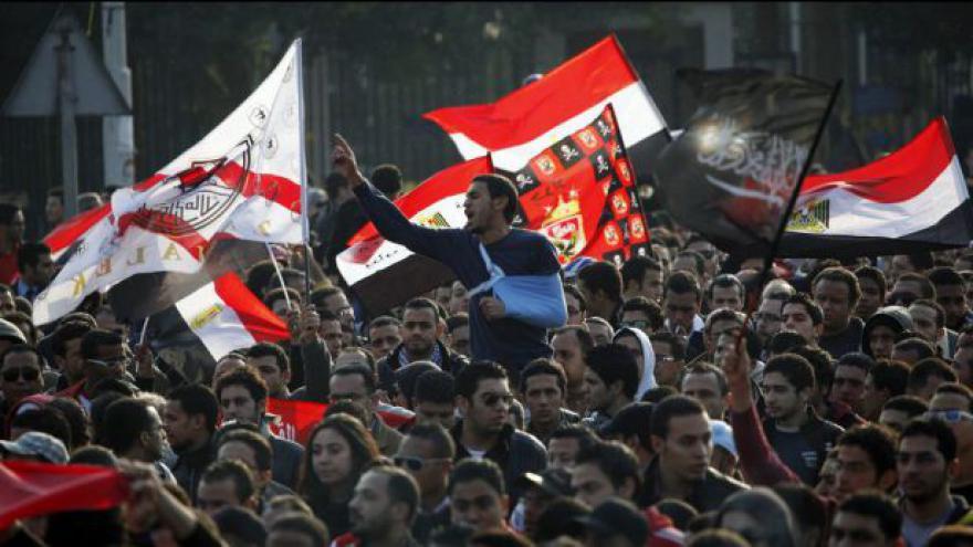 Video Egypťané protestují proti rozsudku kvůli fotbalovým násilnostem
