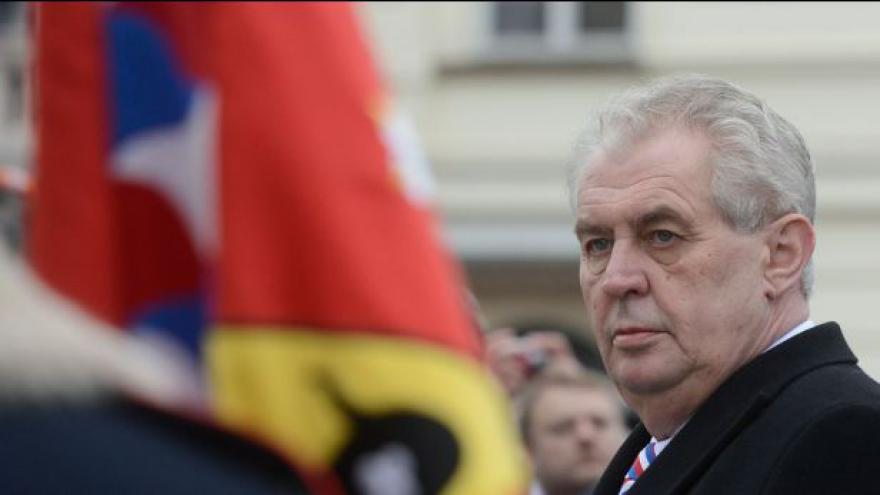 Video Zahraniční média k inauguraci Miloše Zemana