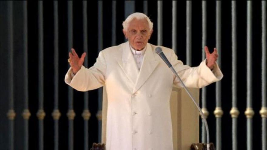 Video Události: Papež se rozloučil s věřícími
