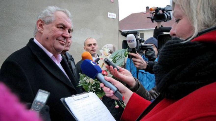 Video Miloš Zeman se připravuje na inauguraci