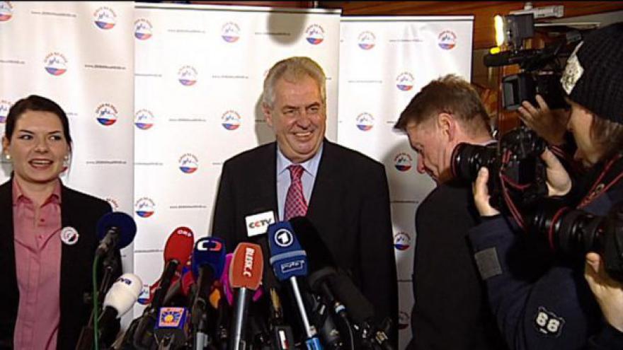 Video Volba prezidenta 2013: Brífink Miloše Zemana