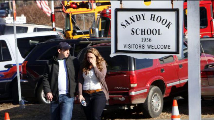 Video Spojenými státy otřásl masakr na škole v Connecticutu