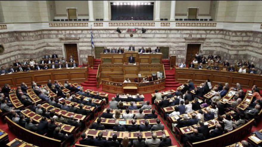 Video Řecká koalice má potvrdit platnost nejnovějšího balíčku škrtů