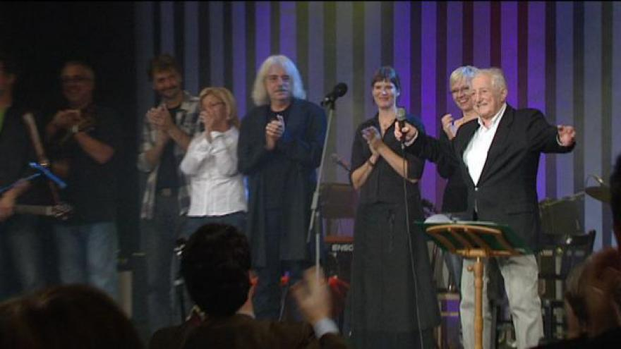 Video Pavel Bobek oslavil 75 i koncerty v Divadle ABC