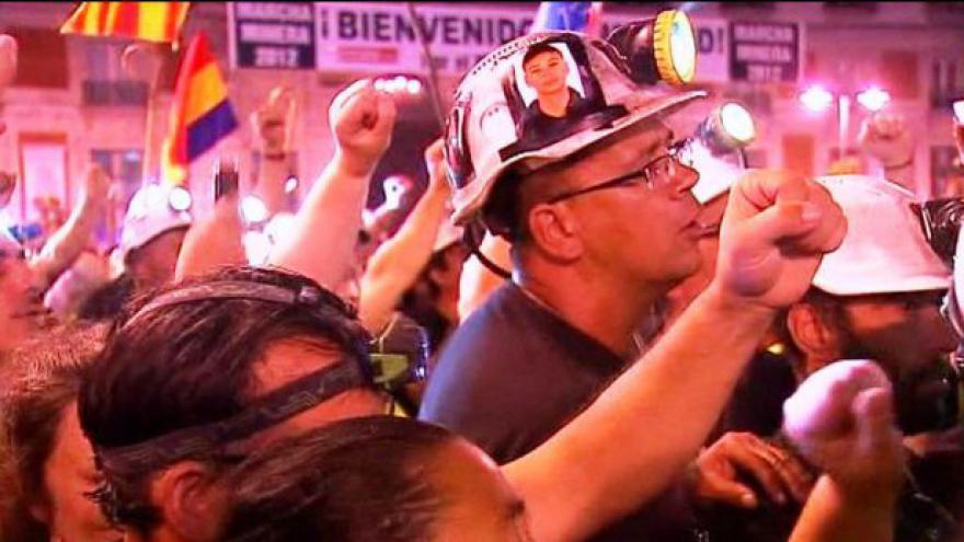 Video Madridem dnes prošli rozzuření horníci