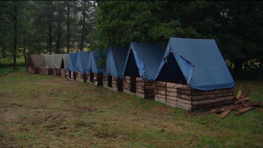 Video Tábor v Chřibské se musel kvůli počasí přesunout