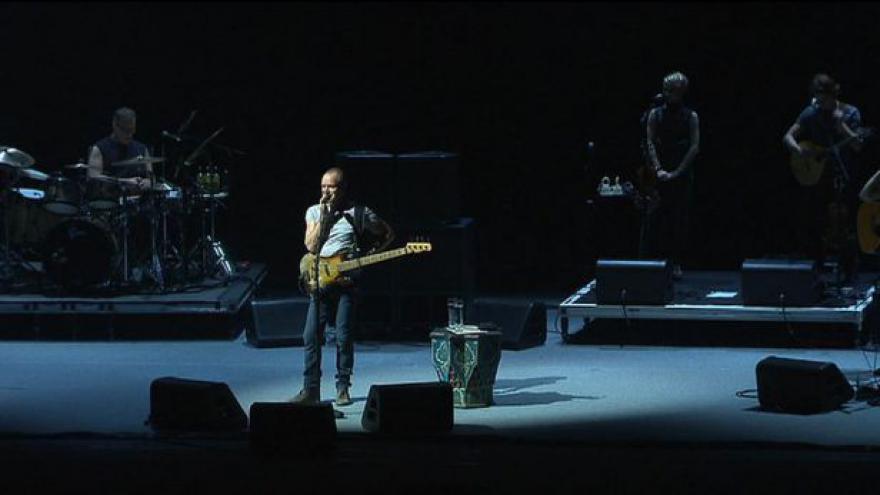 Video Sting koncertuje v Praze