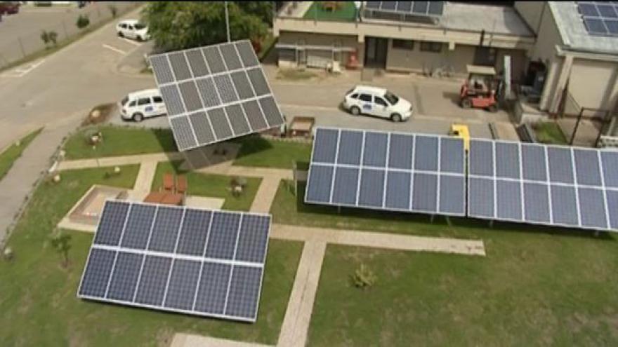 Video Ústavní soud zanechal zdanění fotovoltaiky na 26 procentech