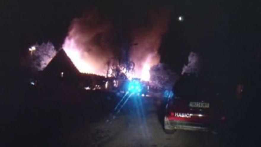 Video Požár skladu svíček v Hrušovanech u Brna
