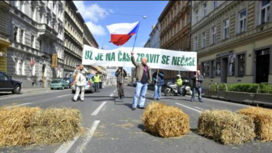 Video Odbory proti vládě