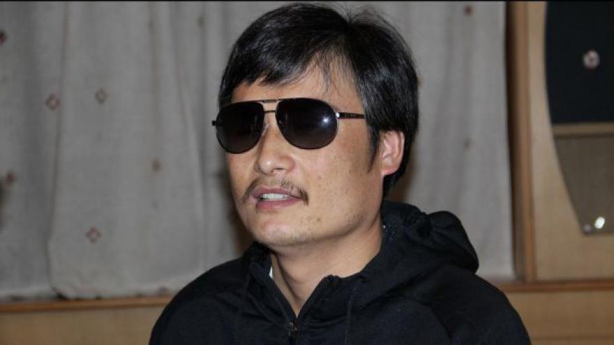 Video Slepý disident chce do USA