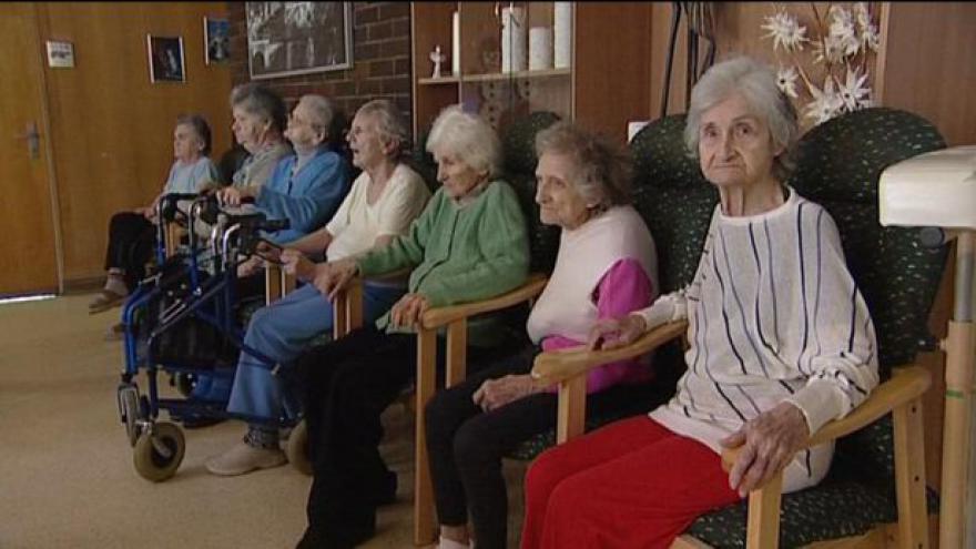 Video ČSSD neprosadila odklad reformy penzí