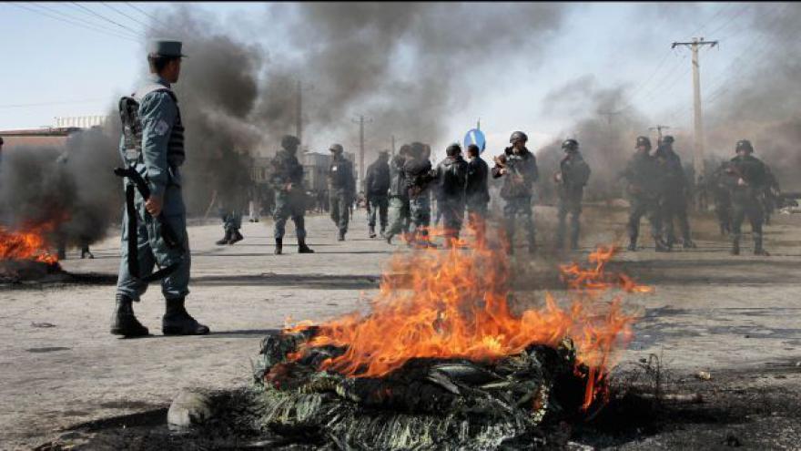 Video Afghánské protesty proti zneuctění koránu pokračují