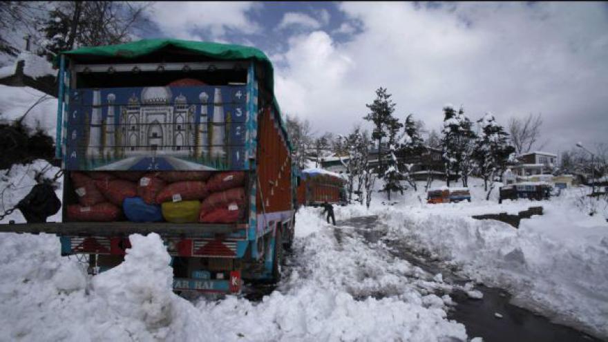 Video Sníh napadl i v Indii
