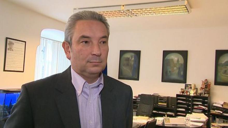 Video Starosta Val.Meziříčí Jiří Částečka (ODS) o zrušení školy