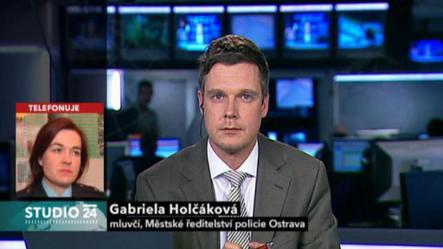 Video Honičku s policií nepřežil řidič osobního auta