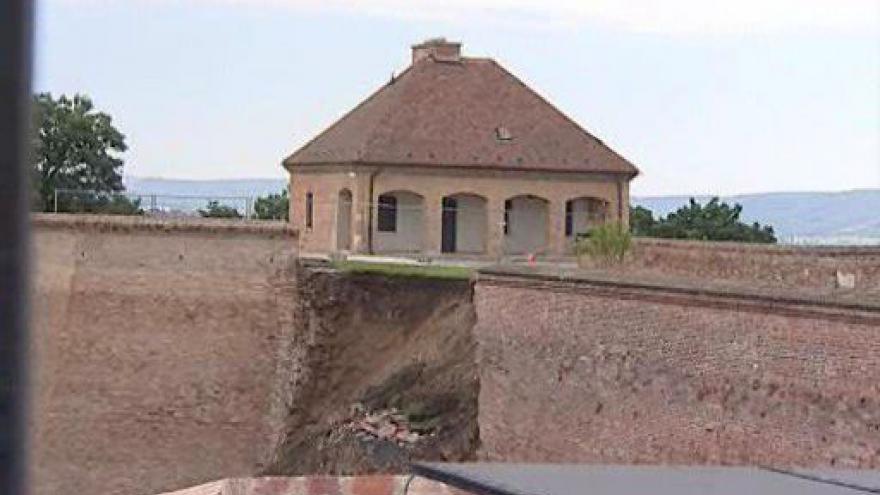 Video Statik Radoslav Ulrich popisuje příčiny narušení hradeb