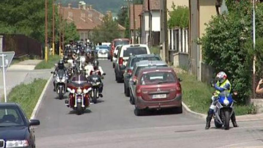 Video NO COMMENT: Motorkářský sraz potěšil handicapované děti