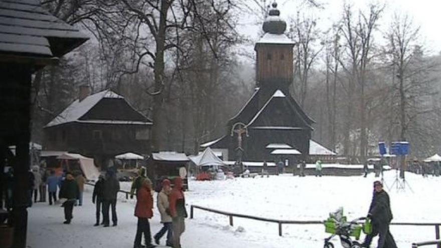 Video NO COMMENT: předvánoční jarmark v Rožnově pod Radhoštěm