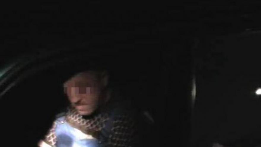 Video Policie přistihla za volantem opilého muže (záběry PČR)