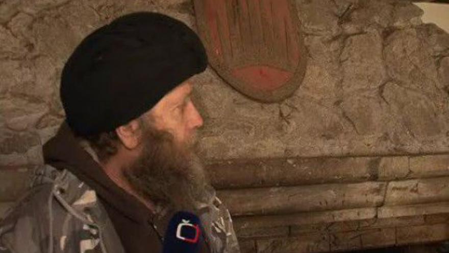 Video Robert Kraft ze Svazu ochránců přírody popisuje problémy s kolaudací hradu